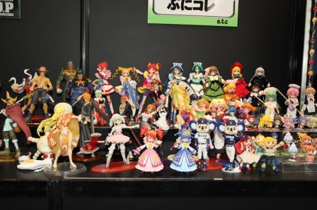 32540__448x_megahobby_2009_figure_reports_24